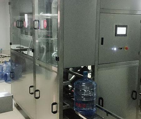 小型桶装水灌装机